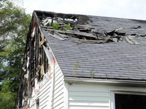 Restoration-Roofing-Fire-Damage-Kansas-City-house-roof